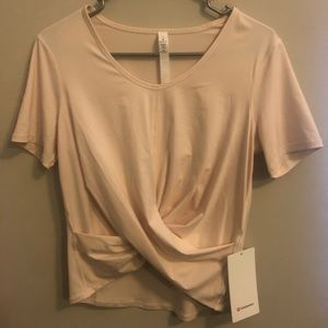 Lululemon cream T-shirt size 4
